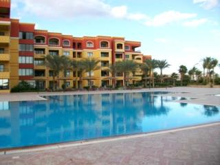 Spasious sea and pool view studio in  the elite compound, Hurghada