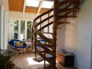 Rainbow Lookout - your own hideaway Maui cottage