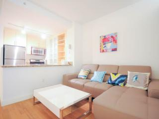 11G-Fully Furnished 3Bedrooms in a Full Service Bu, New York City