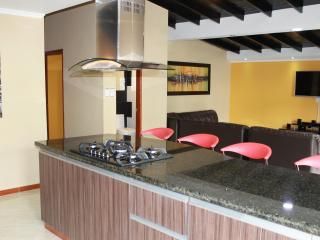 El Jeffe 6 bedroom 7 bathroom AC, Hot Tub, Lleras