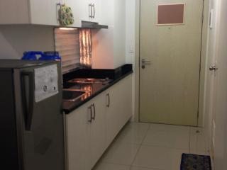 Makati 1 bedroom condo for short term rental
