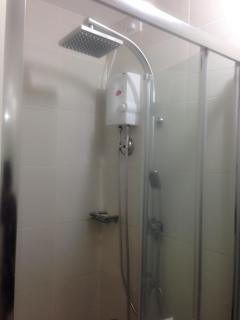 shower with enclosure