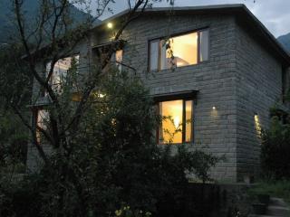 The Secret Cottage: Exclusive, Independent Cottage in Kullu - Manali