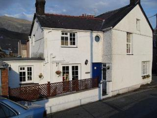 Ripon House. characterful end-terraced cottage.