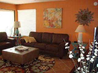 Enjoy spectacular views of the Catalina Mountains-First Floor Corner Condo!, Tucson