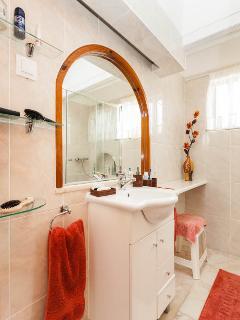 Recently refurbished bathroom ...