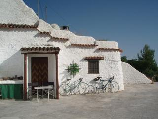 Beautifully restored cave house in the village of Castillejar