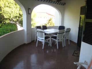 Verandah - dining area, table chairs