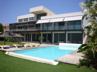 Espectacular villa en playa de Mazagón, Andalucía.