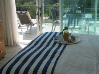 Great Reviews Superb Apartment; Beach/Sea 5 minute walk, Excellence Certificate.