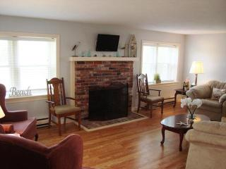 Spacious Living room - 15 Oyster Drive Chatham Cape Cod New England Vacation Rentals