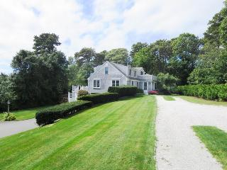 1789 Main Street Chatham Cape Cod - Cranberry View