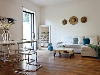 Vacation Rentals at Dream Residence with Garden and Pool, Florence