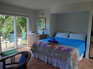 Haleakala Cottage - Beautiful Garden Views