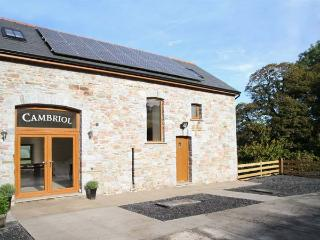 CAMBRIOL, barn conversion, character features, en-suites, on working farm, near