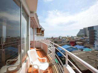 Rooftop view& big balcony in city centre, Hua Hin