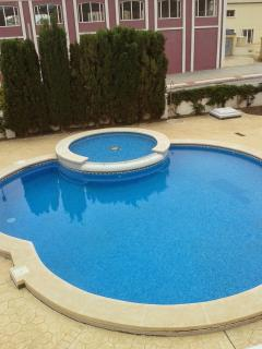 Golf Villa - 2 bed detached house with pool n AC