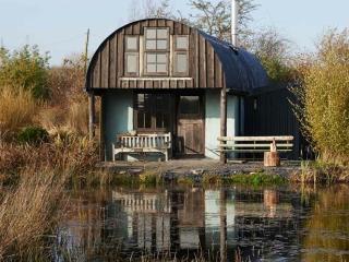 Barn on the pond, Crymych