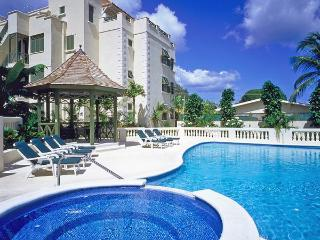 Luxurious 3 bed penthouse boasts panoramic sea views, private jacuzzi pool, sun bathing terrace and beach access, Prospect