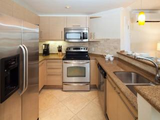 Gorgeous Barbados condo has a unique split level layout. With two beautiful bedroom, two bathroom, open-plan living room, kitchen and balcony, Dover