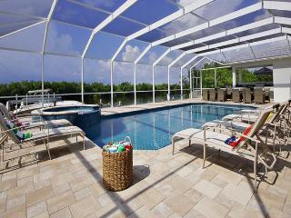 2013 completed beautiful Villa-Illuminated pool-Luxury furnishings-Bar-Boating dock-5 bedrooms, Saint James City