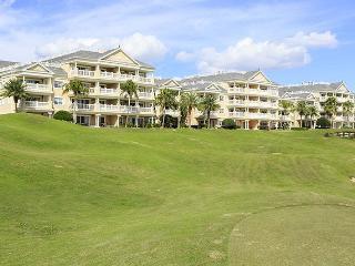 Magnificent 3 bedroom condo- Spectacular golf views- 3rd floor- Luxury decor & furnishings, Reunion