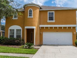 3 miles from Disney- Beautiful 7 bedroom vacation home- Pool- Games room- Woodland views, Four Corners