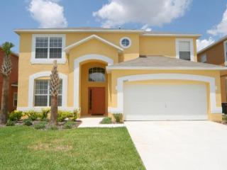 Fantastic vacation home- 6 spacious bedrooms- Heated pool- Games room- 4 miles form Disney, Four Corners