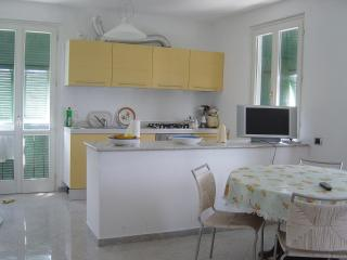 Holiday Home Sweet Helen, just 200m from the beach, Levanto