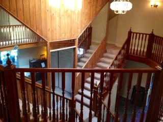 Woodland Hills 4 Bedroom/4 Bath Home POOL  (4661)
