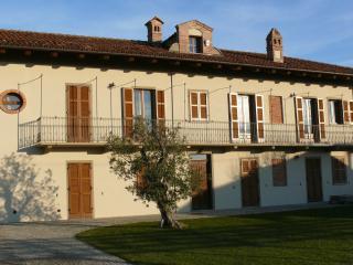 Villa Crissante, La Morra