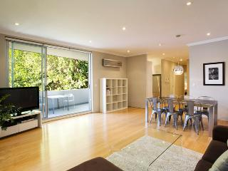 GLE20 - Modern and Stylish Executive Apartment, Sidney