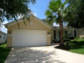 Gorgeous renovated home 15 mins. from Disney, pool, Davenport