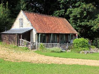 Fisherman's Lodge, Tisbury near Salisbury   -    H117