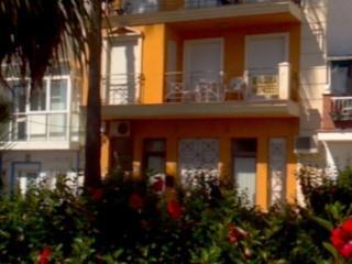 Apartamento para 6 personas en primera linea Torre del Mar con vistas del mar.