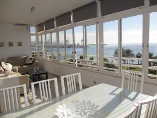 Beachfront Malaga-Pacifico,12 people,WIFI,parking