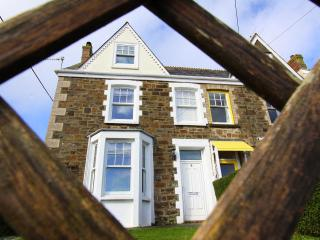 A beautiful Cornish house within a minutes walk from Perranporths sandy beach!