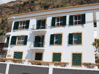 Spectacular Ocean View 3rd Floor Apartment, Ponta Do Sol
