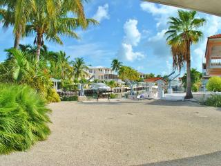 135 Gulfview Dr - 28 Night Minimum!!!!, Islamorada