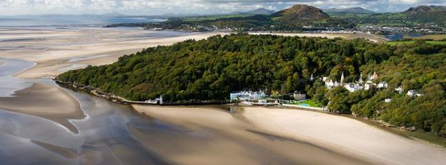 Portmeirion beach - accessible at low tide and, in our experience, a good spot for proposals!