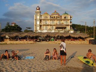 Dharma Beach, Manglaralto