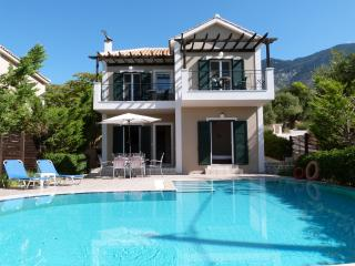 Summer Dream Villa, Trapezaki