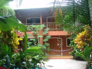 Casa Bambula-Jungle Oasis in the Heart of Samara, Playa Samara