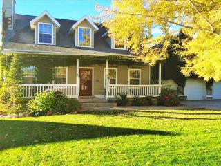 Large 5BR House Near Skiing & Downtown Salt Lake, South Jordan