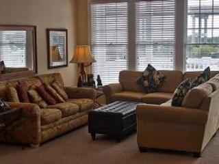 Pet-friendly marinafront 4BR - Gulfstream Village #502, Manteo