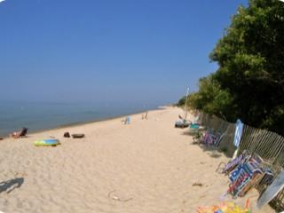 Nice & Roomy, 4-Minute Walk to Sandy Beach--055-B