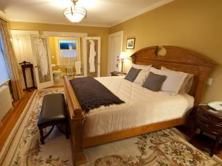 Bedroom #1 (Avalon)