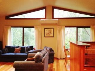 Four bedroom luxury home in Leura, ... Sleeps 10