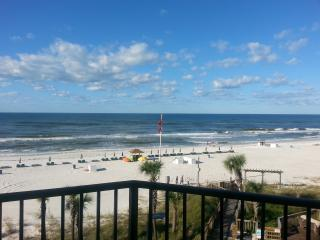 Scenic Beachside Setting with 1 Bedroom Condo, Panama City Beach