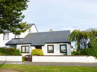 NORTH WEST BUNGALOW, semi-detached, open fire, pet-friendly, off road parking, in Ballina, Ref 912870